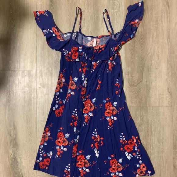 Xhilaration Dresses & Skirts - Button down dress w/ shoulder sleeves